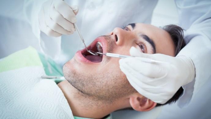בדיקת רופא שיניים