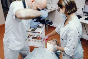 עקירת שן בינה כלואה - מומחים